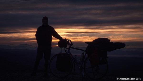 cicloturismo contraluz