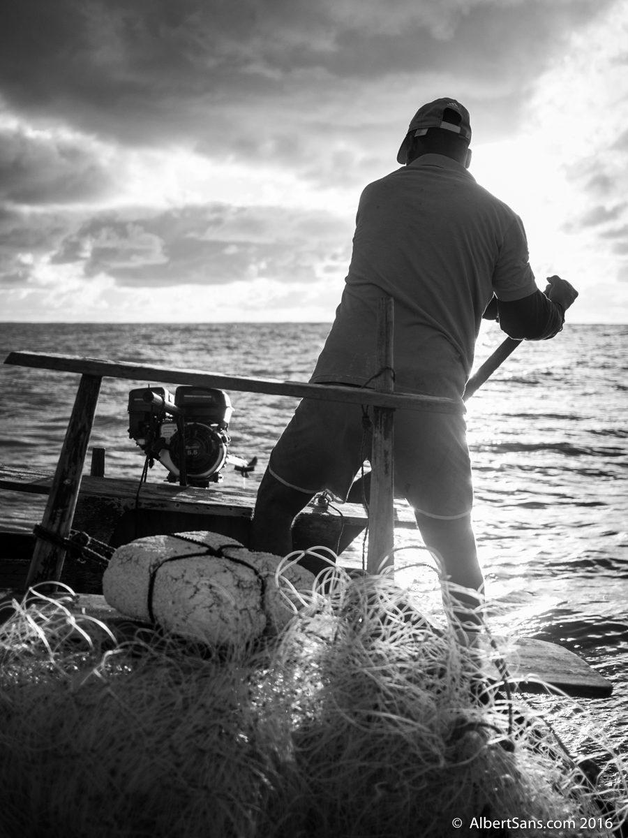 pescador arrecife timón