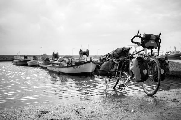 puerto bicicleta barcas